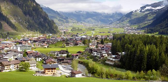 Mayrhofen zillertal tirol chalets en appartementen te huur for Chalet te koop oostenrijk tirol