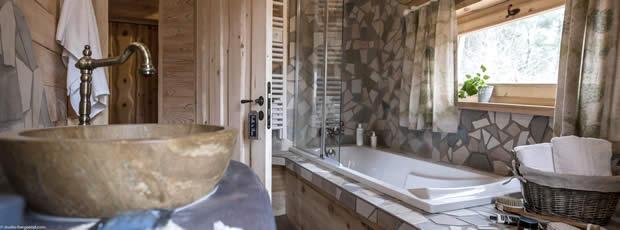 Center Parcs boomhuizen met een luxe badkamer