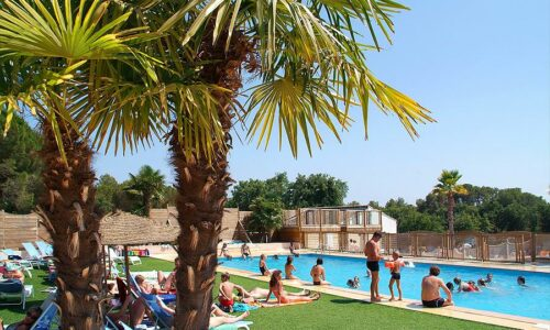 Aanbiedingen camping Camping Yelloh!Village La Bastiane in Puget-sur-Argens
