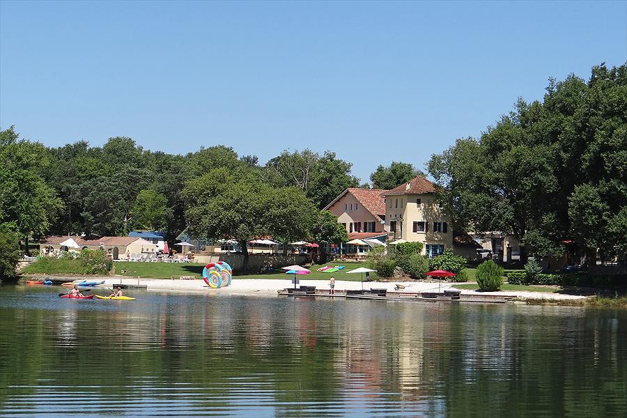 Camping Domaine Lacs de Gascogne Seissan