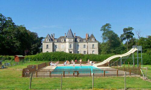 Aanbiedingen camping Camping Yelloh! Village Château La Forêt in Saint-Julien-des-Landes
