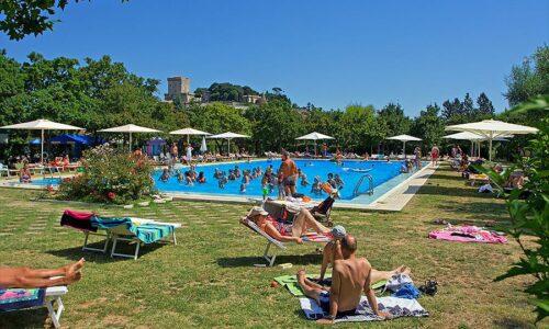 Aanbiedingen camping Camping Villaggio Parco delle Piscine in Sarteano