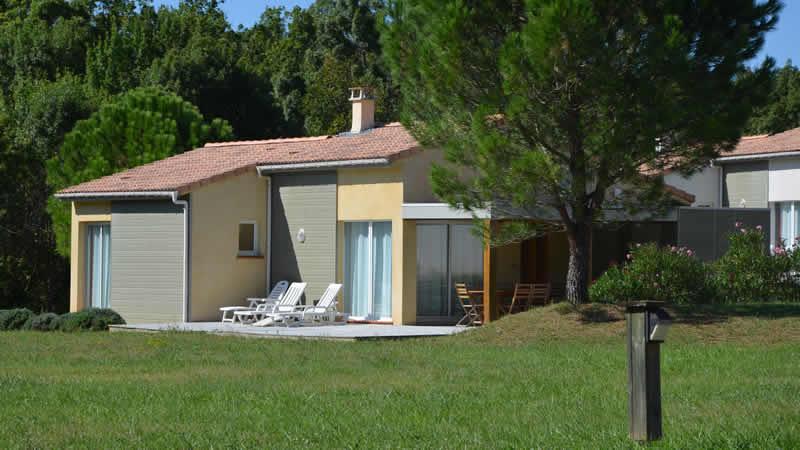FranceComfort: aanbiedingen en korting Vakantiepark L'Espinet, Aude (Pyreneeën)